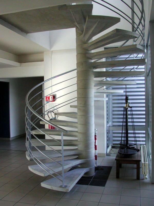 D coration am nagement robineau ma onnerie for Construction escalier beton interieur