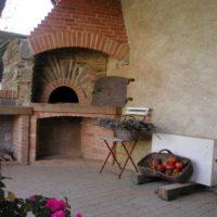four à pain en pierre et brique